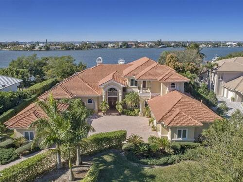 111 Lansing Island Drive  Indian Harbour Beach, FL 32937