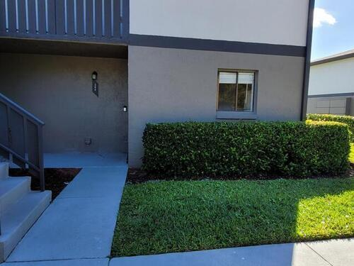 1804 University Lane Unit #304 Cocoa, FL 32922