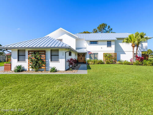 520 Whispering Pines Circle  Melbourne, FL 32940